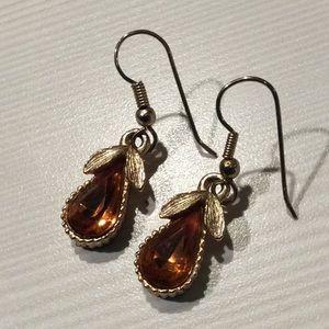 Pear gold tone vintage earrings